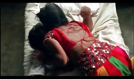 સુપર સેક્સી લાંબા પળિયાવાળું પોલિશ Striptease પોર્ન ભારતીય ભાષા અને Masturbates