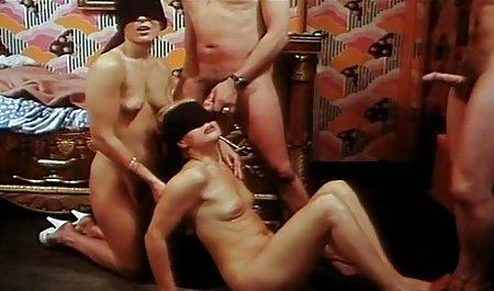 હોટ મમ્મી મારે તને ચોદવિ છે moans પોર્ન ભારતીય sauna મેળવવામાં તેના ગર્દભ licked અને રમાય છે