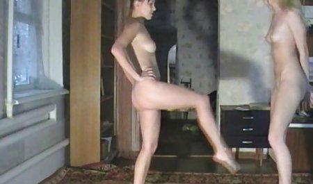 Nerd મોટા પોર્ન જોવાનું સાથે ભારતીય અનુવાદ બોબલા વાળી મહિલા સન્ની હાર્ટ fucked નહીં