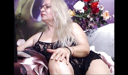 સુંદર સોનેરી ફ્રેંચ દેશ નું રાંડ બતાવે છે તેના Tits ભારતીય સેક્સ સાથે સંવાદ અને ભોસ ચુત