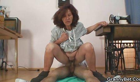 Twerking અતીશય કામોત્તેજક છોકરી heccrjt gjhyj banged હાર્ડ અને ઊંડા