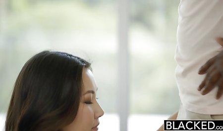 સેક્સી Stacy પોર્ન સાથે સંવાદ લીન કાળજી લે છે તેના સાવકા