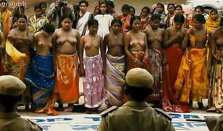 એક ભારતીય બચ્ચાઓ porn જાહેર સેવક છે, એક સોનેરી લગ્ન છેતરપિંડી માટે રોકડ