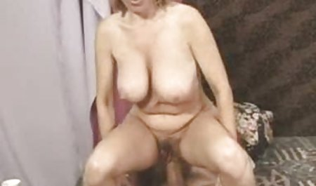 મોહક કાળા પોર્ન ભારતીય જાસ્મિન બાળક seduces તેના સેક્સી મિત્ર સારાહ